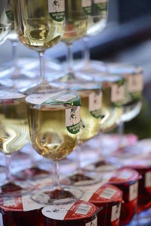 Dragons Den entrepreneur's simple wine solution thriving
