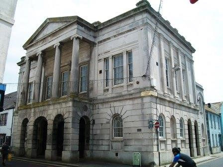 Weymouth Guildhall sells to antique expert