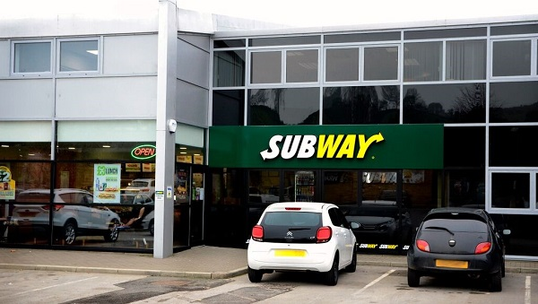 subway opens first store in a car dealership hospitality catering news. Black Bedroom Furniture Sets. Home Design Ideas