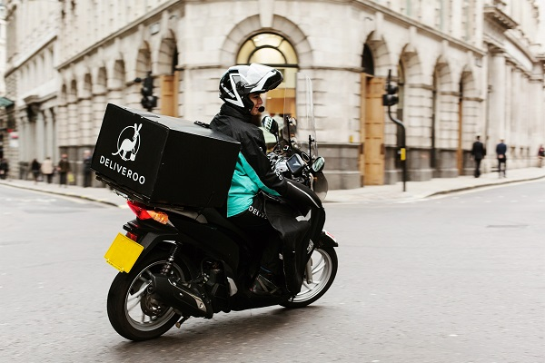 Deliveroo Launches Alcohol Delivery Service in Ireland 2