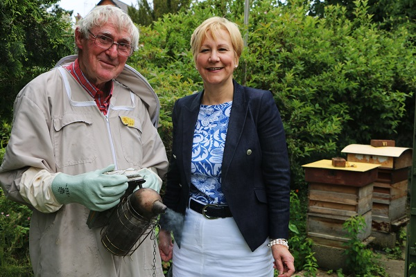Bee Keeper John Gale and Opus Ann Tonks