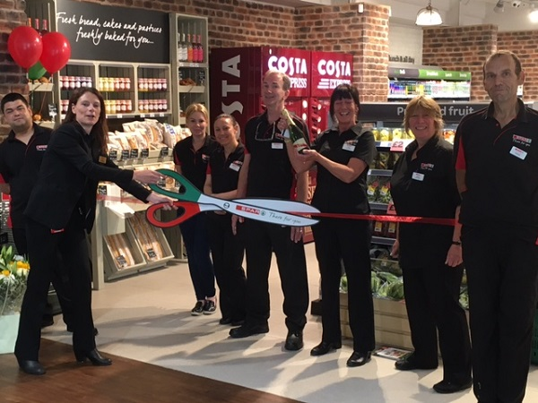 New SPAR store opens at Clacket Lane Motorway Service Area