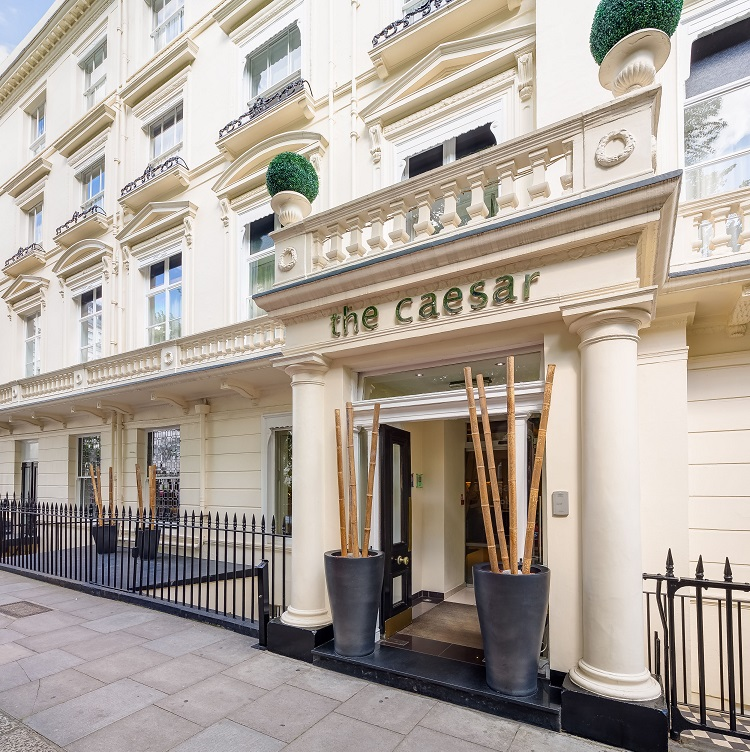 The caesar hotel london is honoured by worldhotels for Hotels 02 london