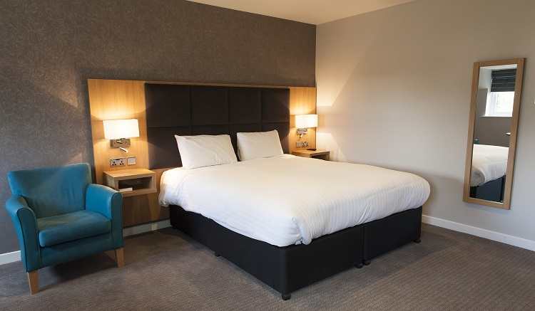oxford witney hotel benefits  beautiful  refurbishment hospitality catering news