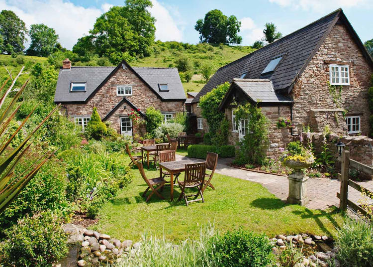 Tudor Farmhouse wins AA Breakfast Award 2017 Hospitality & Catering News