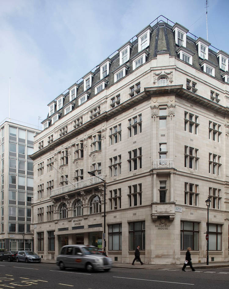 Small but mighty eef venues takes the titles for five for Broadway house