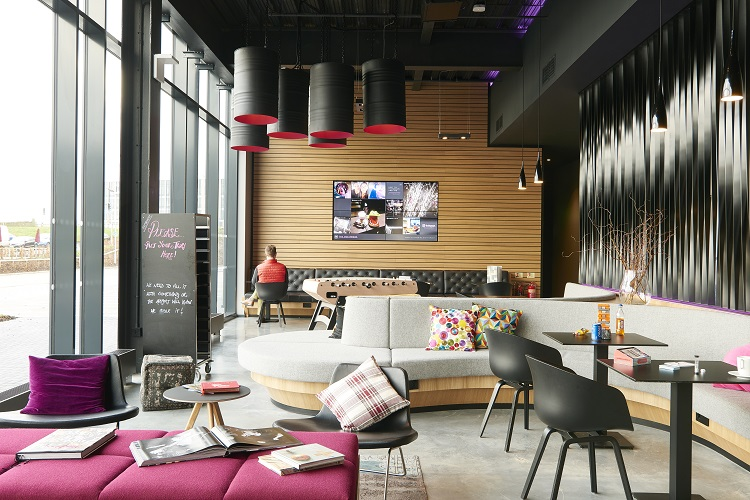 moxy hotels brand growth to more than 40 new cities by the end of 2020 hospitality. Black Bedroom Furniture Sets. Home Design Ideas