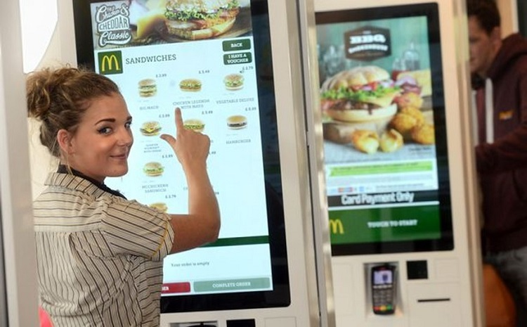 McDonald's US announces face mask mandate and delay in reopening
