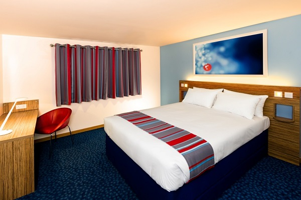 the new travelodge bedroom style hospitality catering news. Black Bedroom Furniture Sets. Home Design Ideas